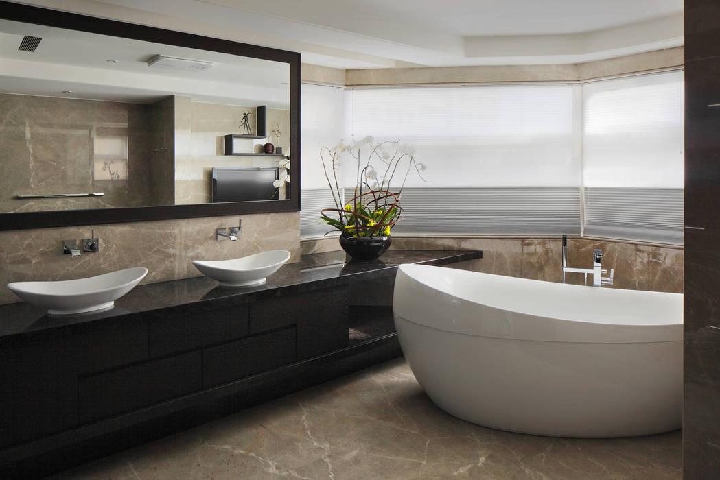 居悅 現代浴室設計點子、靈感&圖片 根據 大荷室內裝修設計工程有限公司 現代風