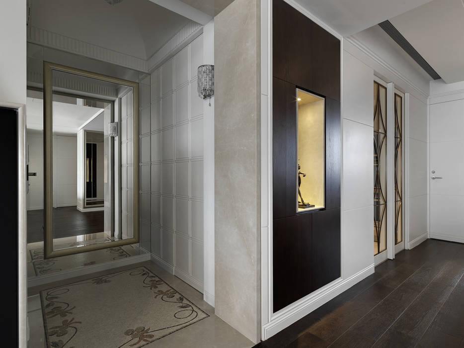 家的風景 經典風格的走廊,走廊和樓梯 根據 大荷室內裝修設計工程有限公司 古典風