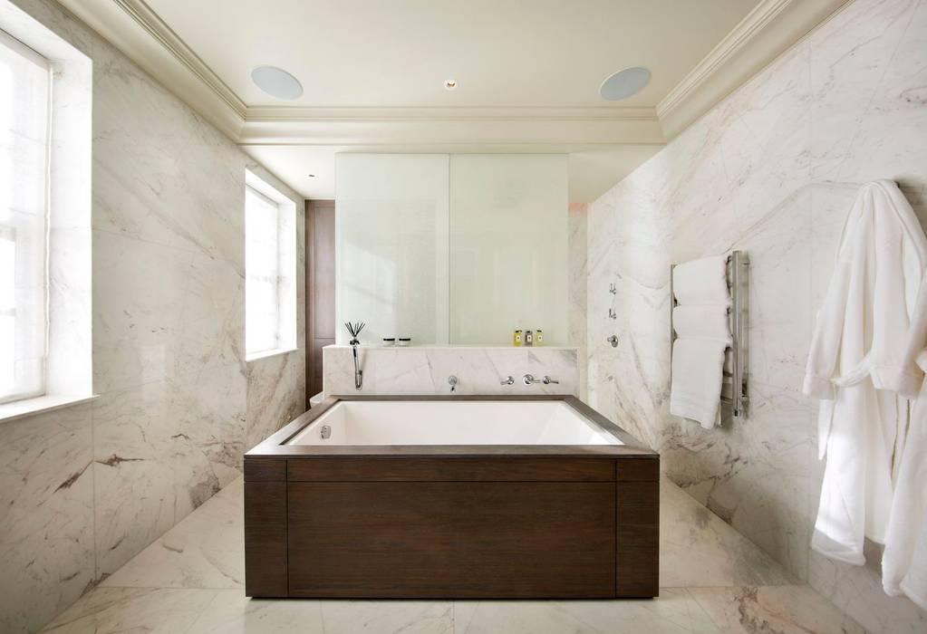 Bathroom Modern bathroom by KSR Architects Modern Marble