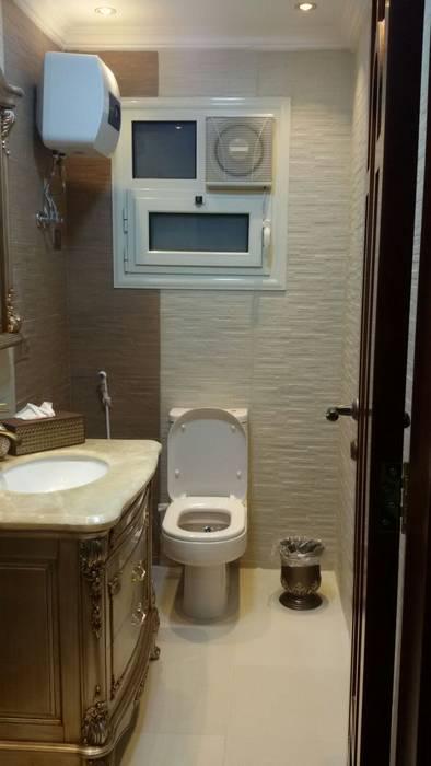 クラシックスタイルの お風呂・バスルーム の الرواد العرب クラシック