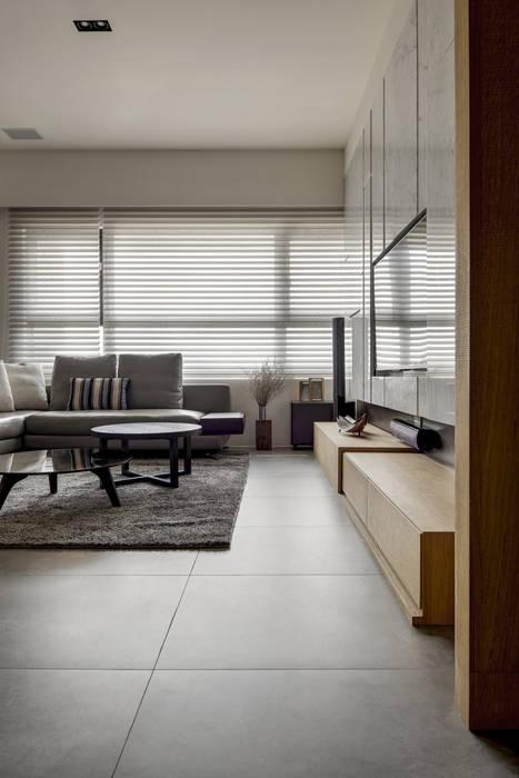 洗滌身心。療癒自然宅洗滌身心。療癒自然宅 现代客厅設計點子、靈感 & 圖片 根據 大荷室內裝修設計工程有限公司 現代風