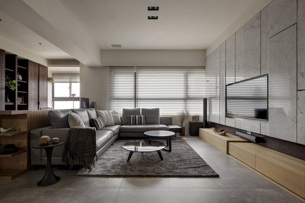 洗滌身心。療癒自然宅 现代客厅設計點子、靈感 & 圖片 根據 大荷室內裝修設計工程有限公司 現代風