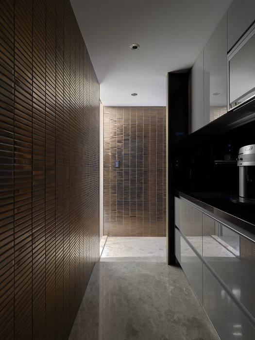 工作空間的最大值:  廚房 by 大荷室內裝修設計工程有限公司
