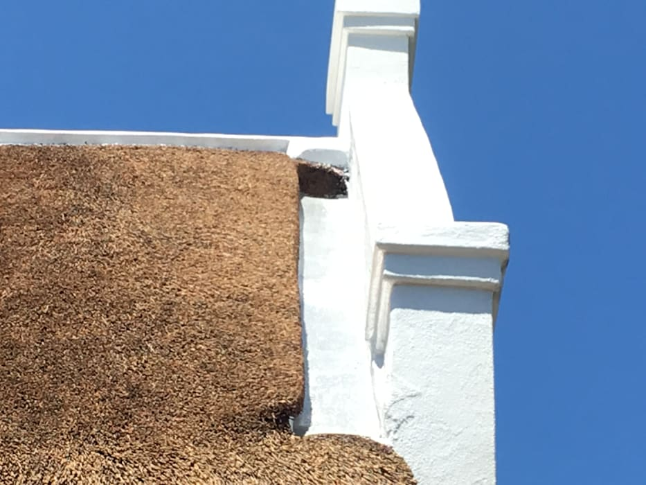 Parapet Wall Drainage & Finishing:  Houses by Cintsa Thatching & Roofing