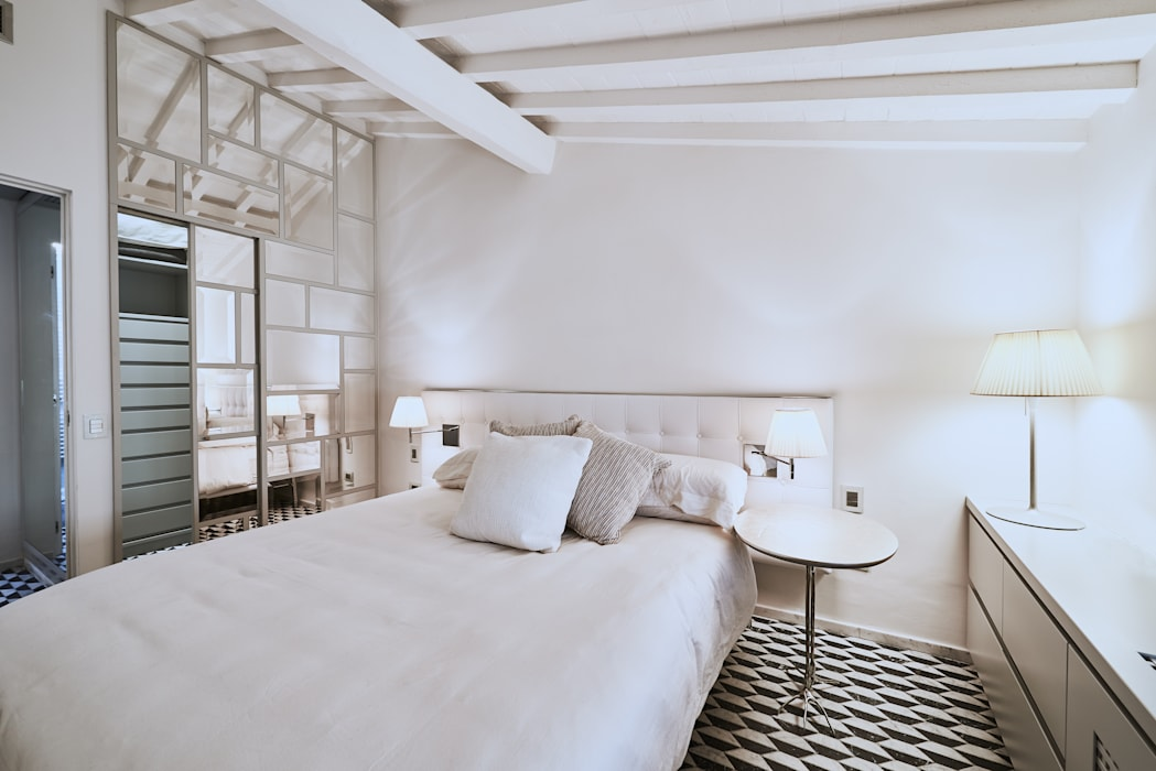 Спальни в . Автор – Zeno Pucci+Architects, Модерн Дерево Эффект древесины