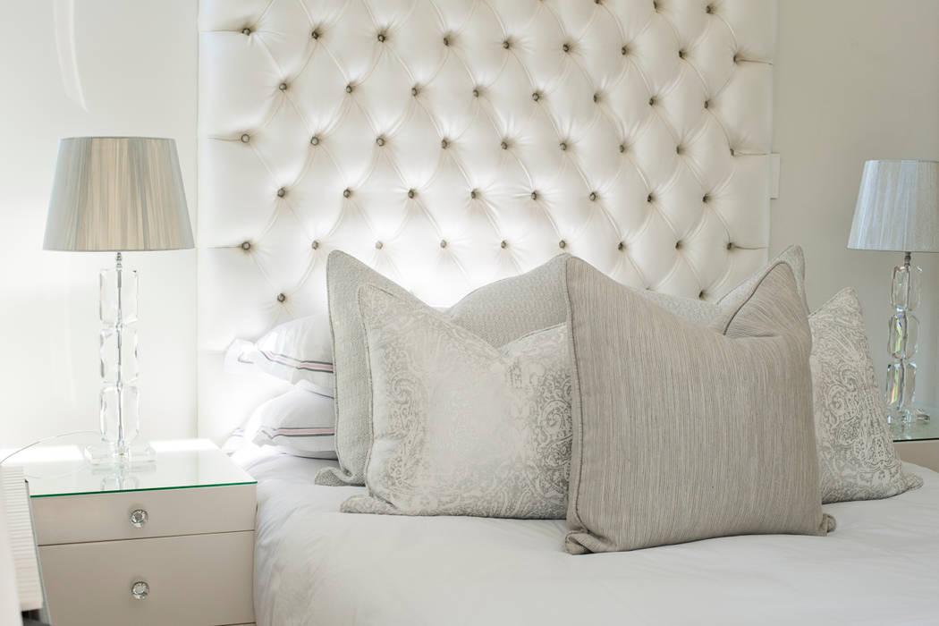 Main Bedroom:  Bedroom by Tru Interiors,