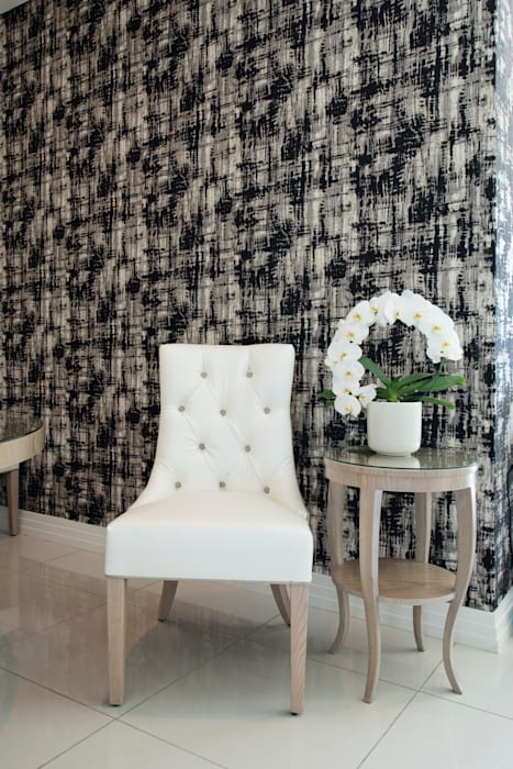 Dining Room:  Dining room by Tru Interiors