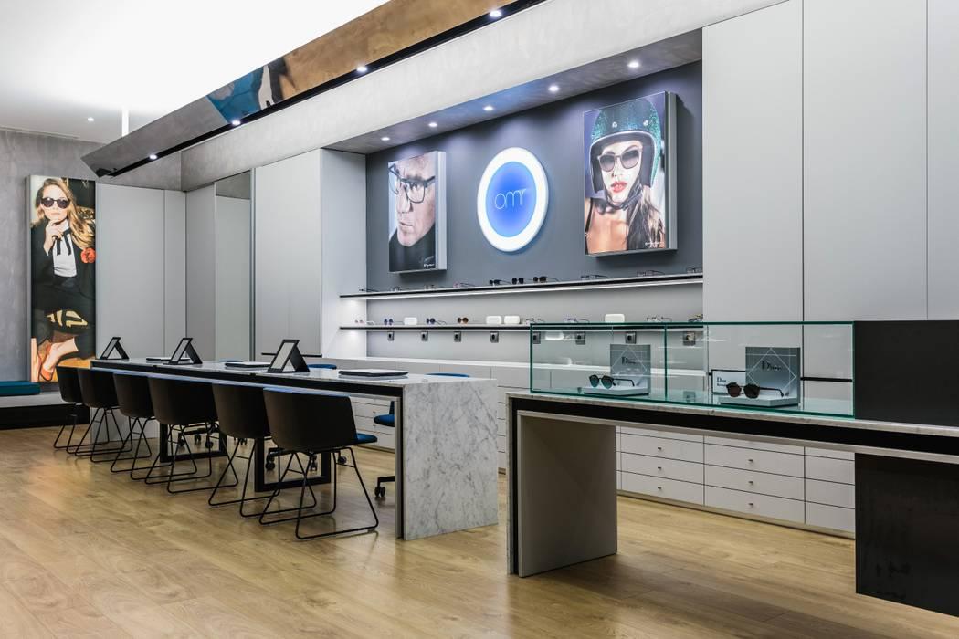 1 Lojas e Espaços comerciais modernos por XYZ Arquitectos Associados Moderno