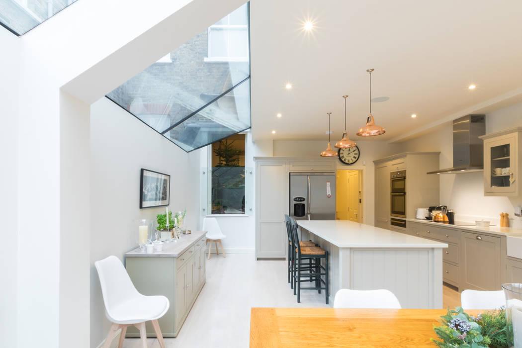 Major renovation, extension and loft. Fulham W6 Кухня в стиле модерн от TOTUS Модерн