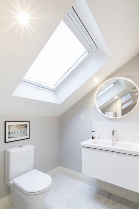 Major renovation, extension and loft. Fulham W6 Banheiros modernos por TOTUS Moderno