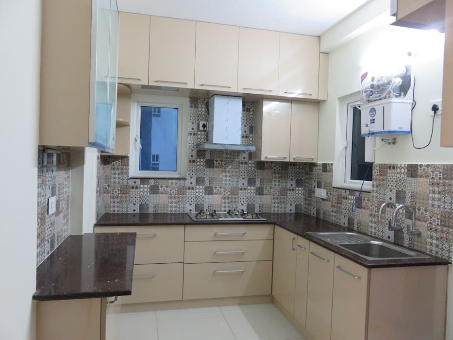 kitchen front & side counters Bluebell Interiors Modern kitchen Plywood Beige
