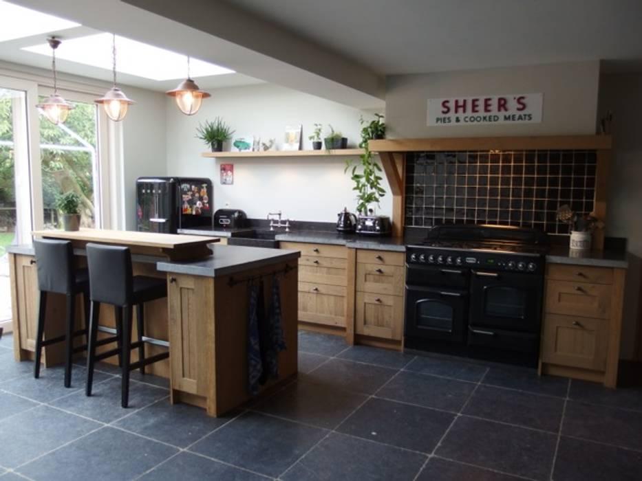 De Eikenhouten Keuken : Landelijke eiken houten keuken keuken door de lange keukens homify