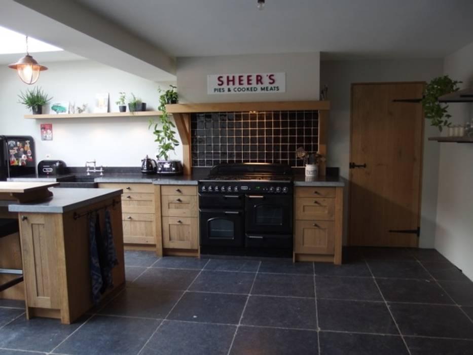 Keuken Eiken Houten : Landelijke eiken houten keuken keuken door de lange keukens homify