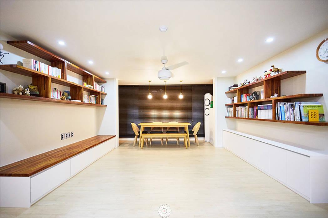 #늘 집에 머물고 싶게 만드는. .34평 리모델링 리뷰 : 제이앤예림design의  거실