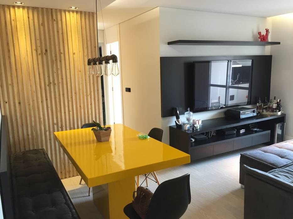 LILIAN FUGITA ARQUITETURA Ruang Makan Modern Yellow