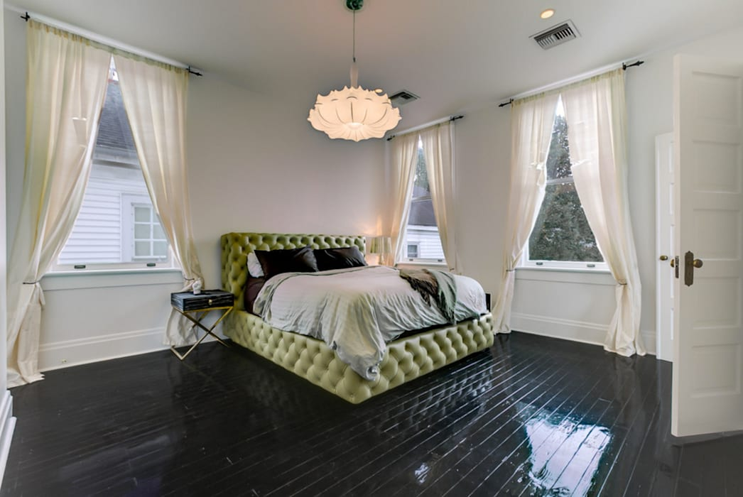 Nashville Avenue Residence, New Orleans: eclectic Bedroom by studioWTA