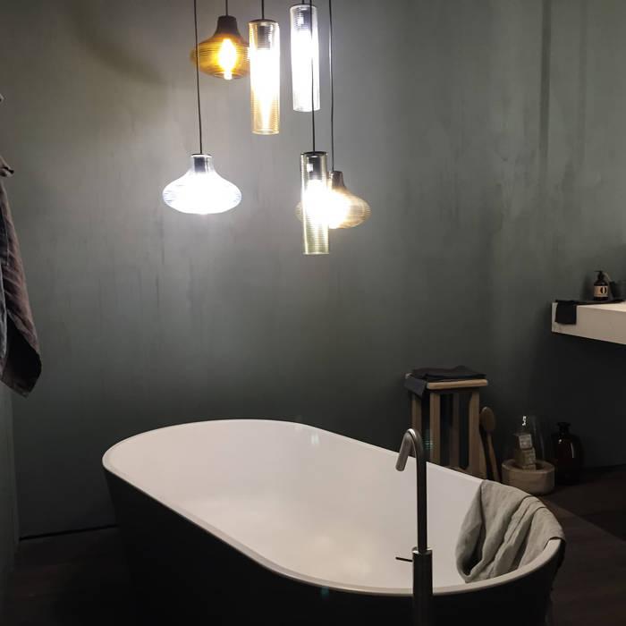 Salle de bain minimaliste par casa&stile interior design e ristrutturazioni Minimaliste