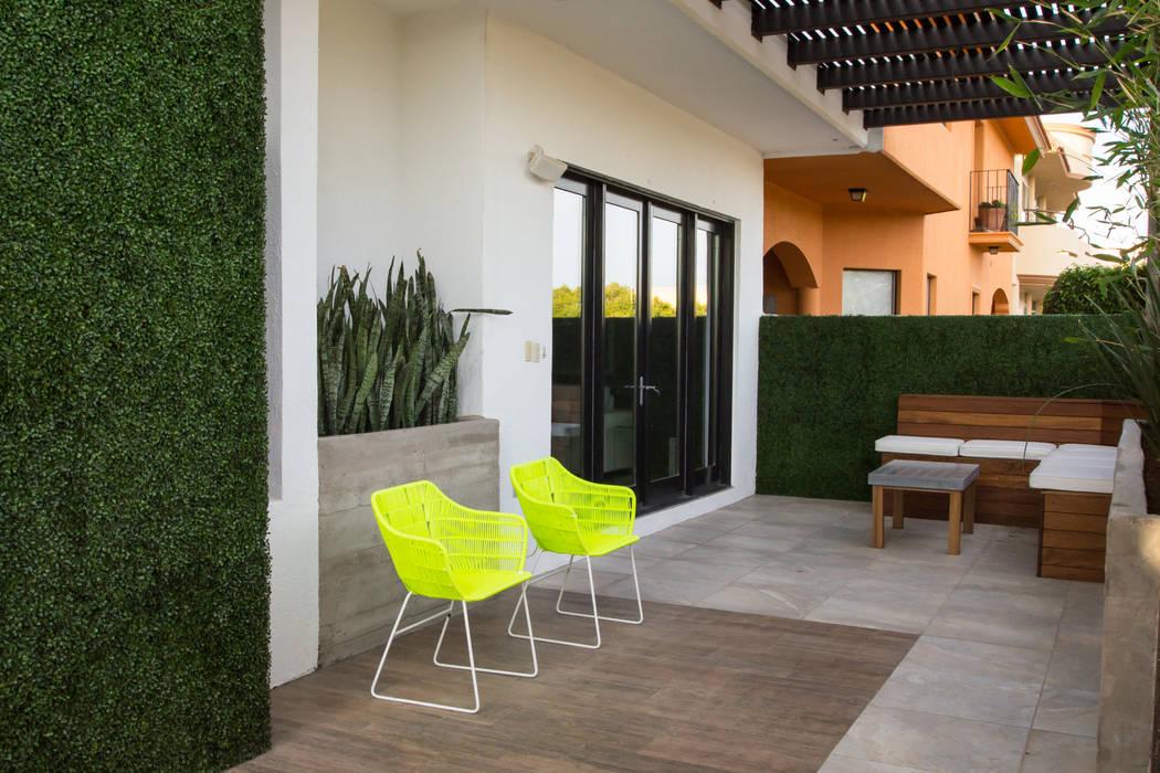 Balkon, Beranda & Teras Modern Oleh TAMEN arquitectura Modern