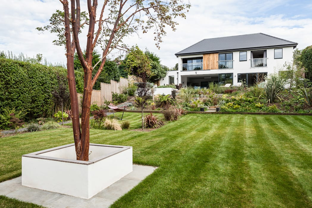 OATLANDS DRIVE Modern style gardens by Concept Eight Architects Modern