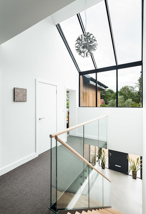 OATLANDS DRIVE Modern Corridor, Hallway and Staircase by Concept Eight Architects Modern