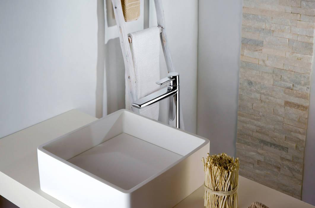 serie Acqua Miscelatore  Lavabo: Bagno in stile in stile Moderno di FRISONE SRL