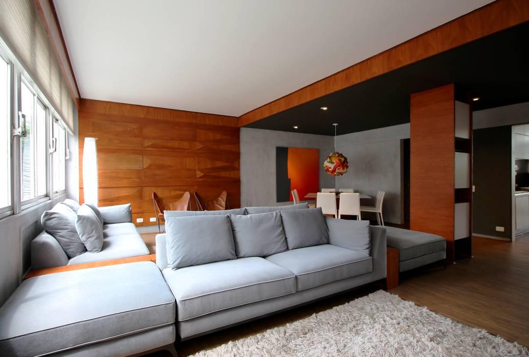 Minimalistische Wohnzimmer von ROBERTO SPINA ARQUITETOS ASSOCIADOS Minimalistisch