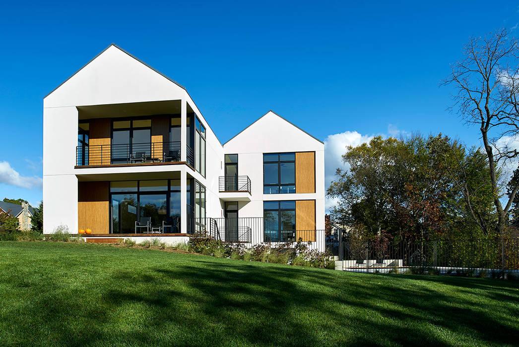 Casas modernas por KUBE Architecture Moderno
