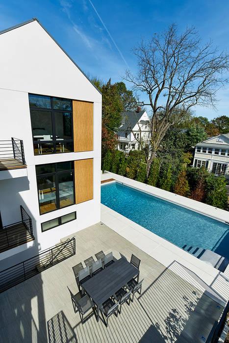 Kolam Renang Modern Oleh KUBE Architecture Modern