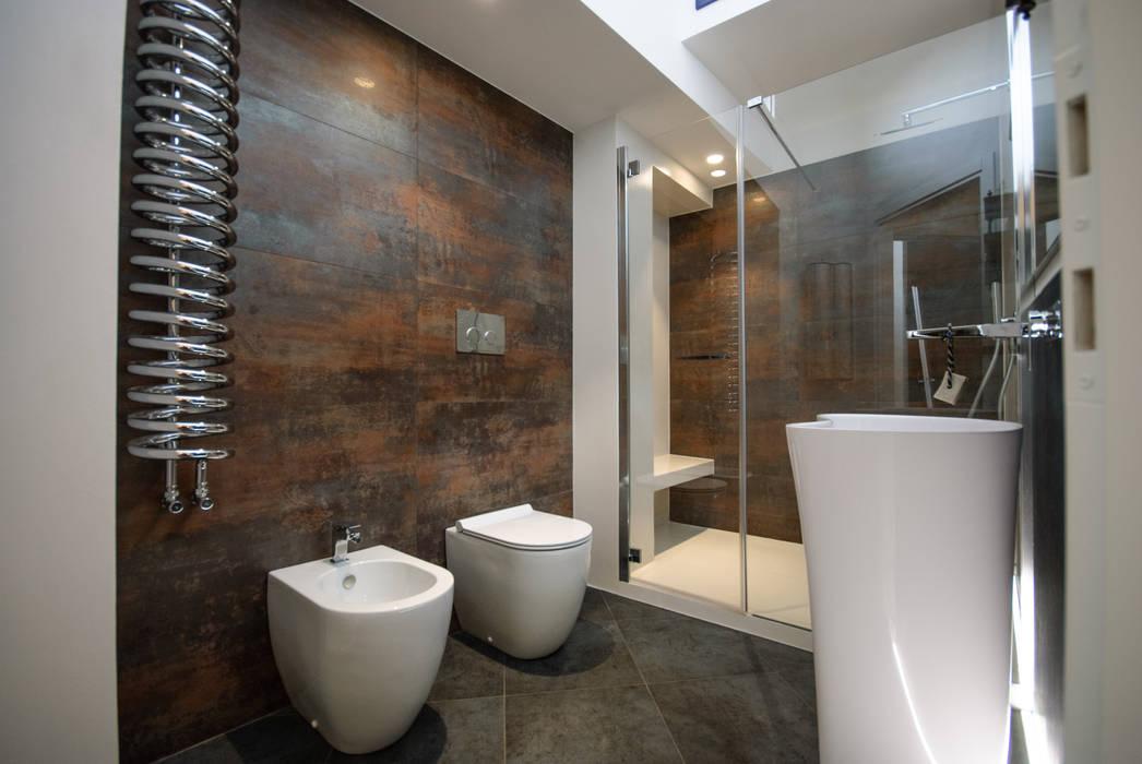 Bagno bagno in stile in stile moderno di architetto francesco franchini homify - Bagno cemento spatolato ...