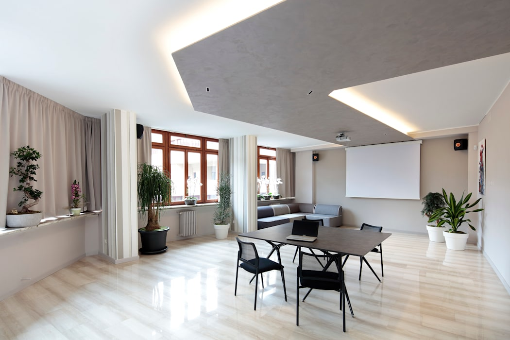Ruang Multimedia oleh architetto roberta castelli, Modern