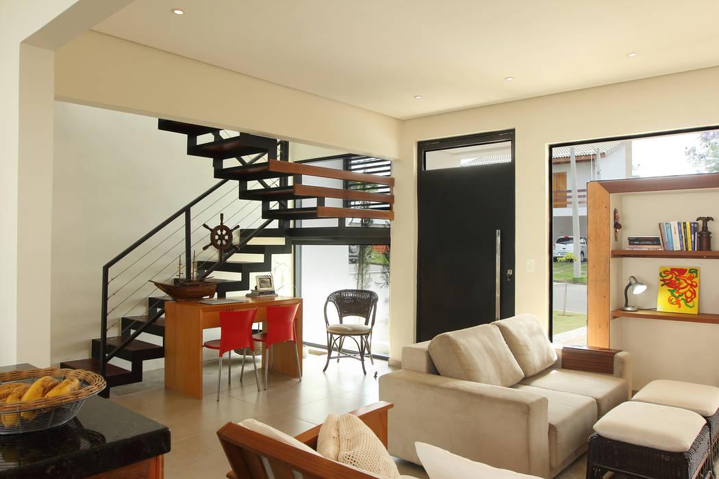 Taguá Arquitetura Living room White