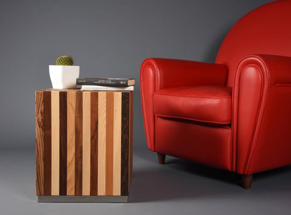 Solid wood coffee Table / Bedside Scandinavian-style handmade / Modern sofa Table / Elegant one-piece: Camera da letto in stile in stile Minimalista di Ebanisteria Cavallaro