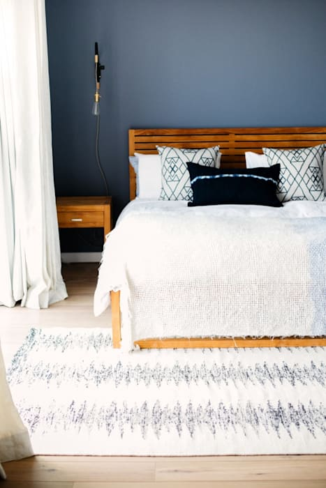 Mr and Mrs Work Hard and Play Hard Scandinavian style bedroom by homify Scandinavian