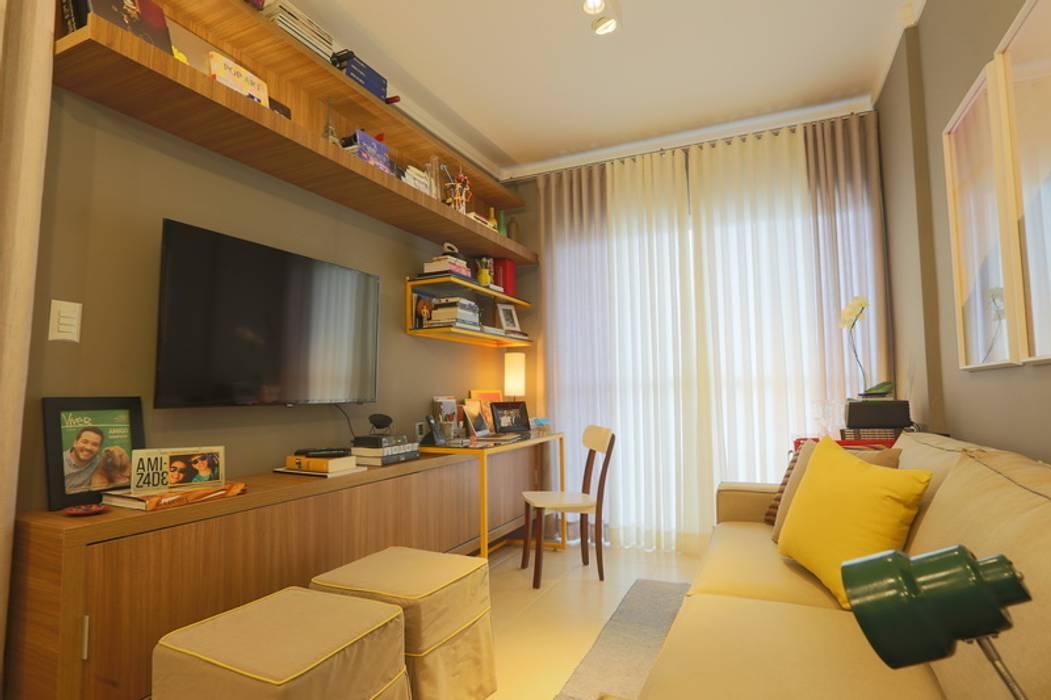 MEU PRIMEIRO Ap Salas de estar modernas por MAJÓ Arquitetura de Interiores Moderno