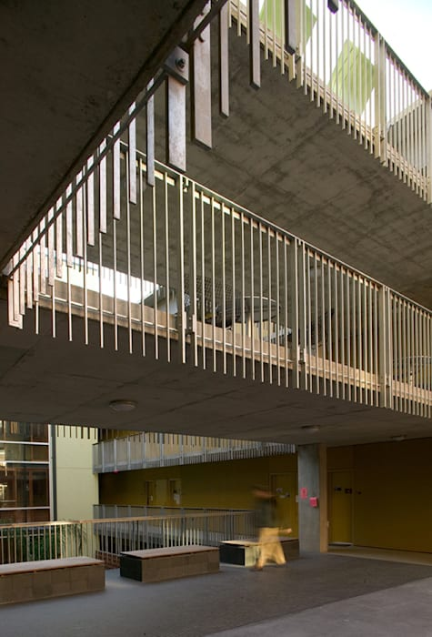 Wall Residential College, Tulane University, New Orleans: modern Houses by studioWTA