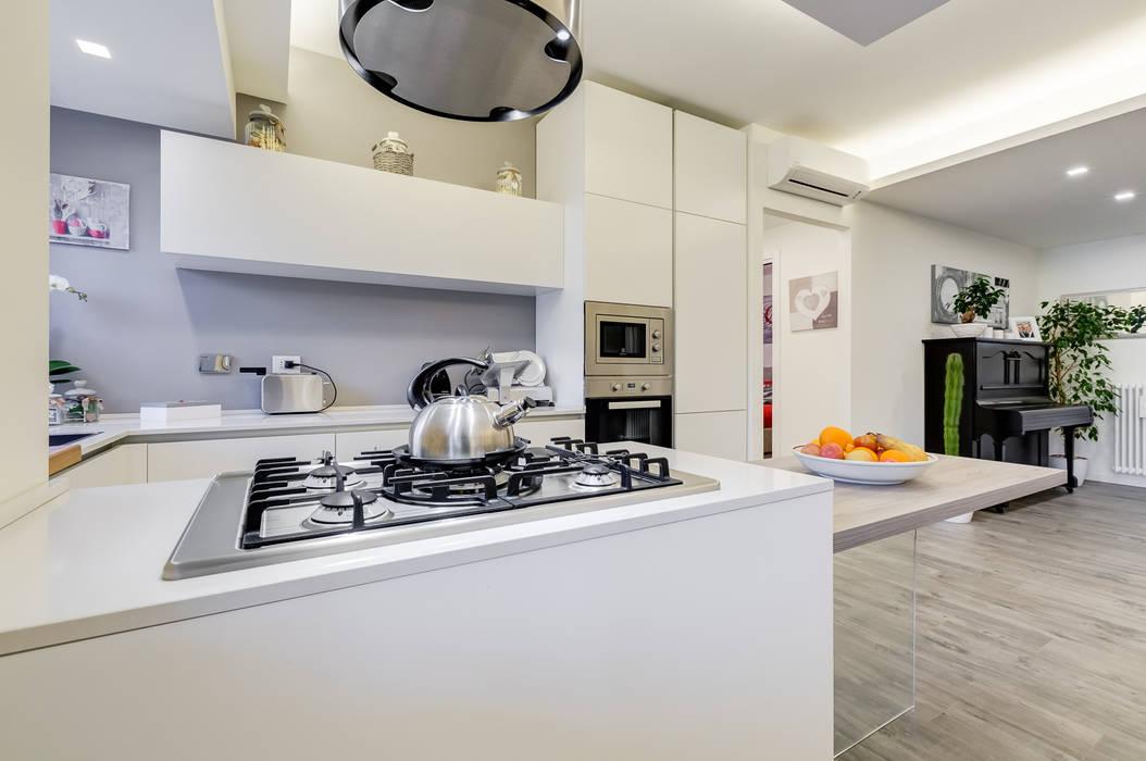 Colleverde_minimal design Cucina moderna di EF_Archidesign Moderno