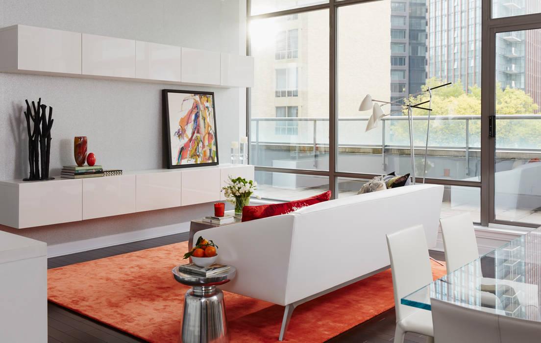 Douglas Design Studio Livings de estilo moderno Rojo