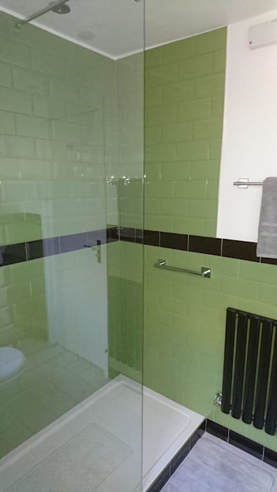 Baños de estilo  por Kerry Holden Interiors