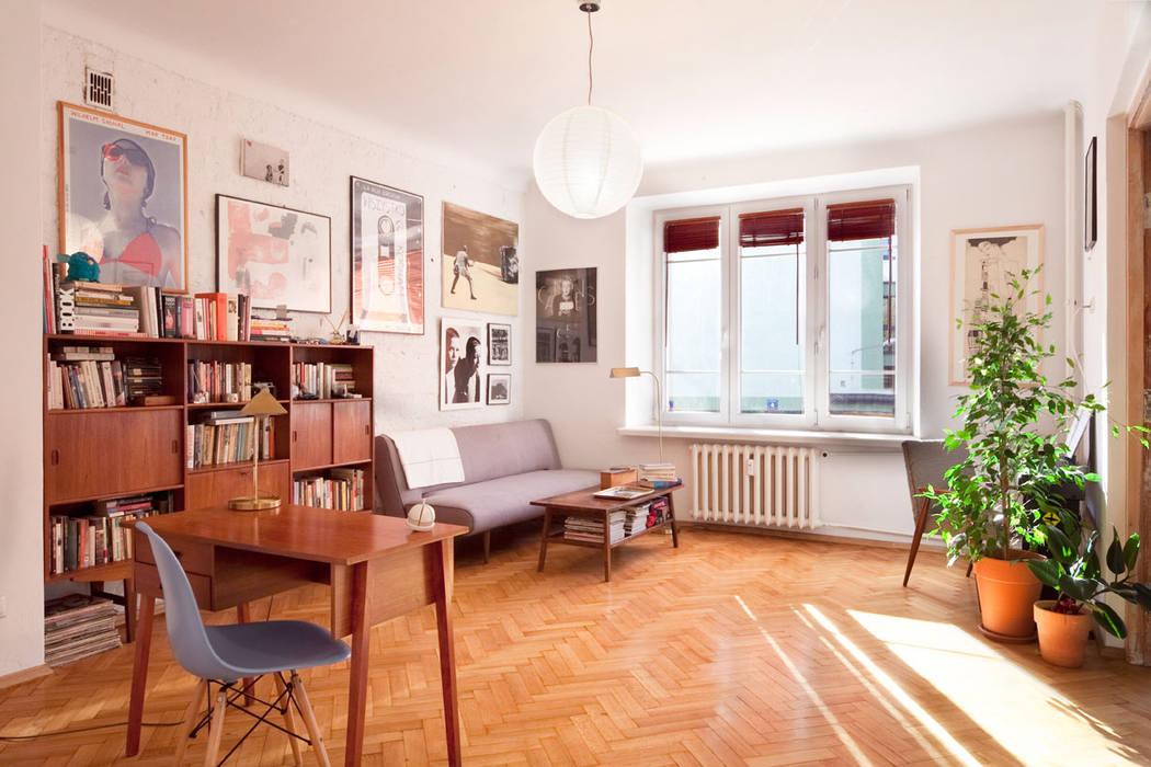 Industrial style living room by En Casa Premium Real Estate Industrial