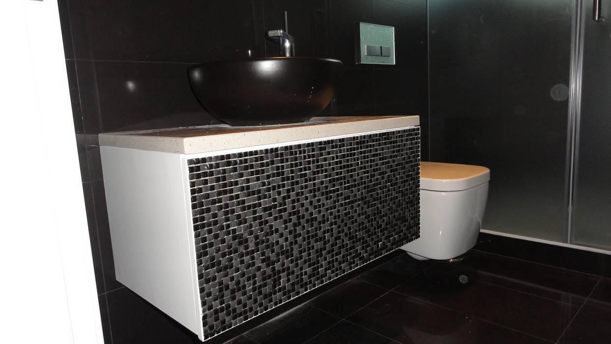 Reabilitação de moradia em Cascais Casas de banho clássicas por 2levels, Arquitetura e Engenharia, Lda Clássico