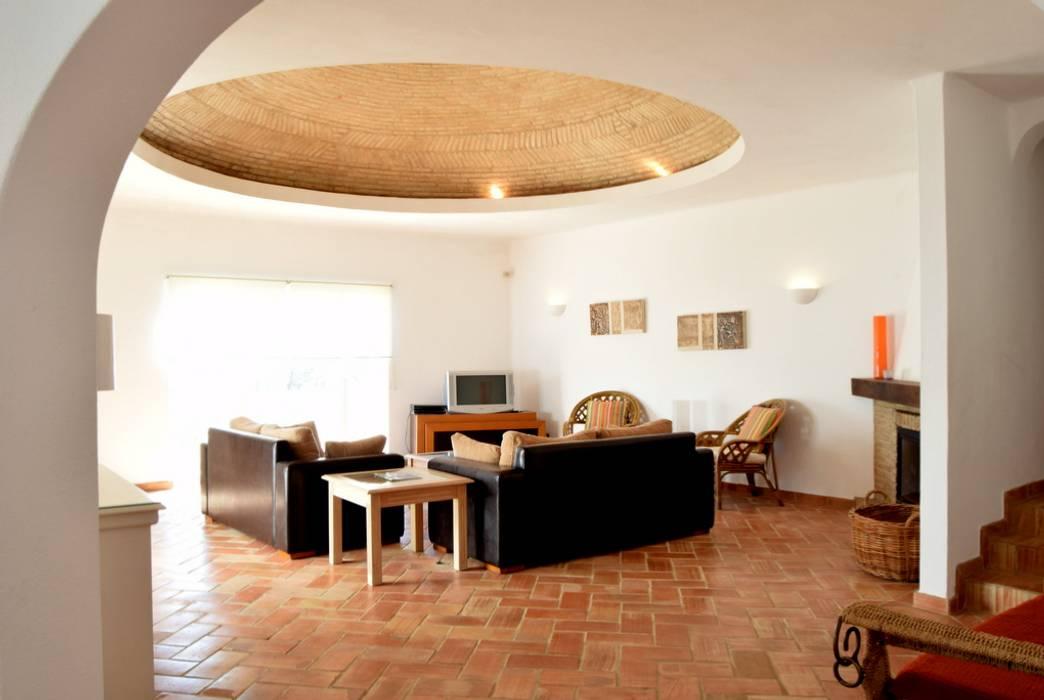 Terracota dome Rustikale Wohnzimmer von Engel & Voelkers Vilamoura Rustikal