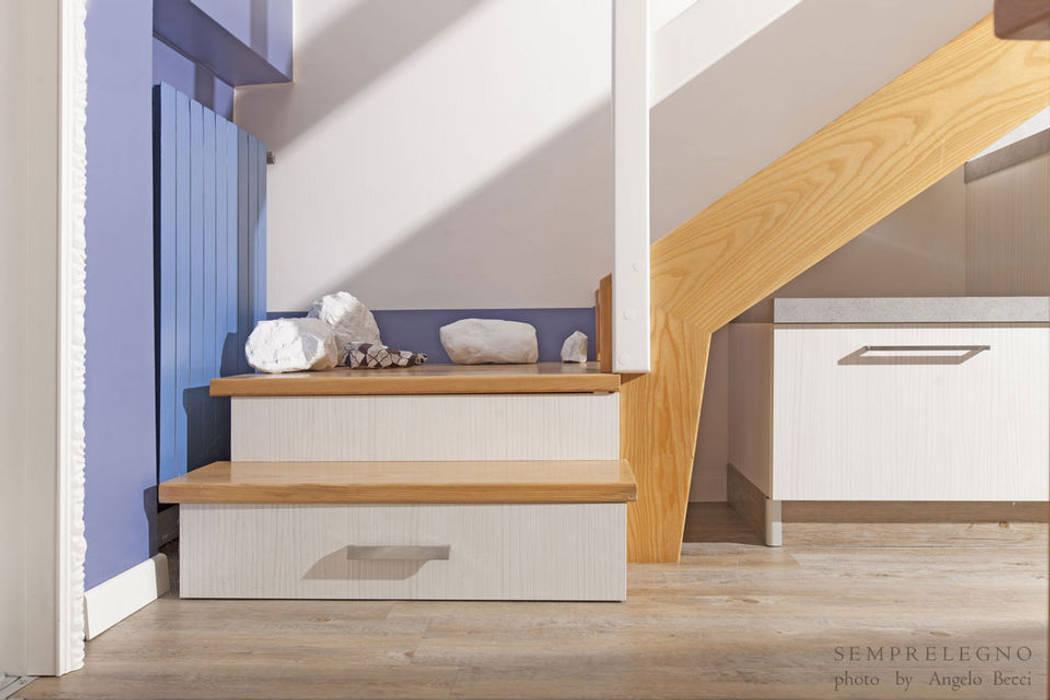 Коридор, прихожая и лестница в модерн стиле от Semprelegno Модерн