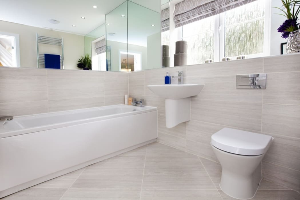 Make every room a new adventure..... 現代浴室設計點子、靈感&圖片 根據 Graeme Fuller Design Ltd 現代風