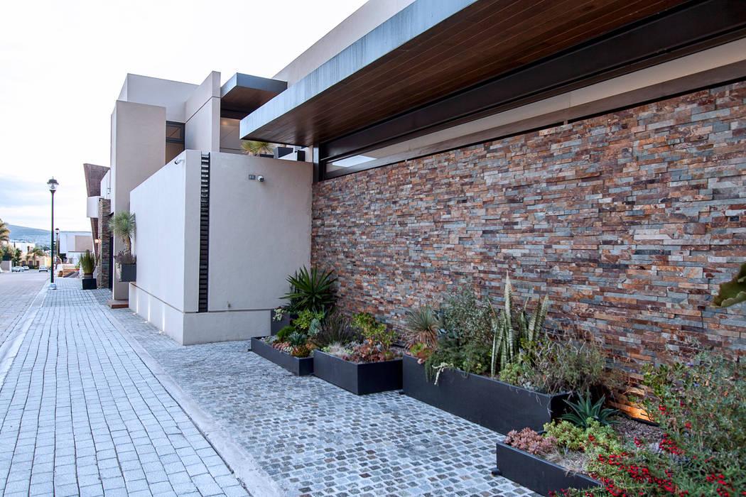 Casas de estilo  por Loyola Arquitectos, Moderno