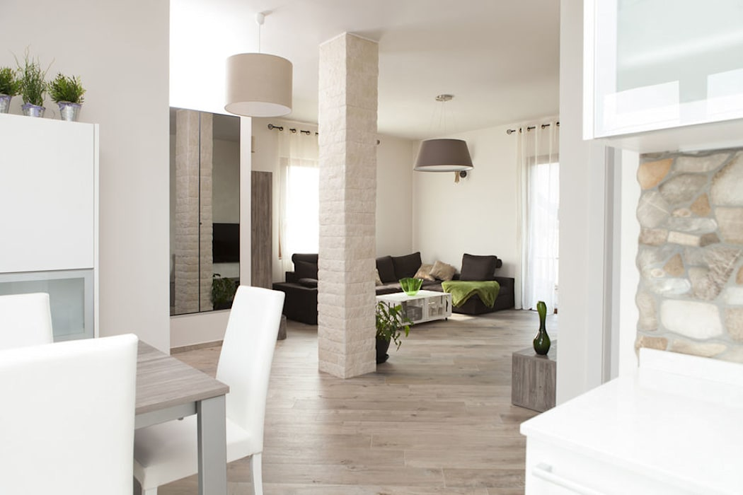 Mobili fatti su misura per soggiorno moderno con zona pranzo ...