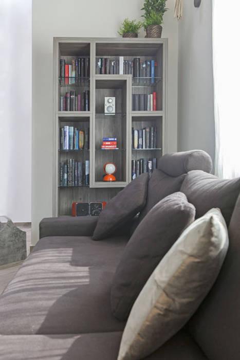 Libreria di design fatta su misura per soggiorno in stile ...