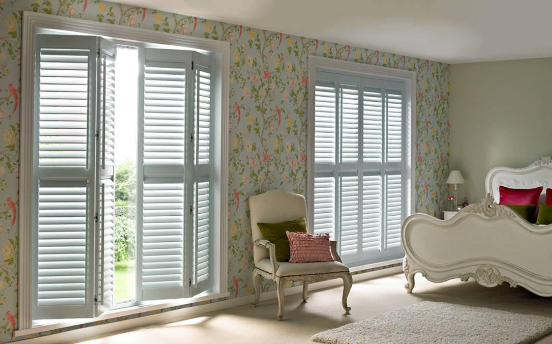 Guide & Glide Window Shutters:  Living room by Thomas Sanderson