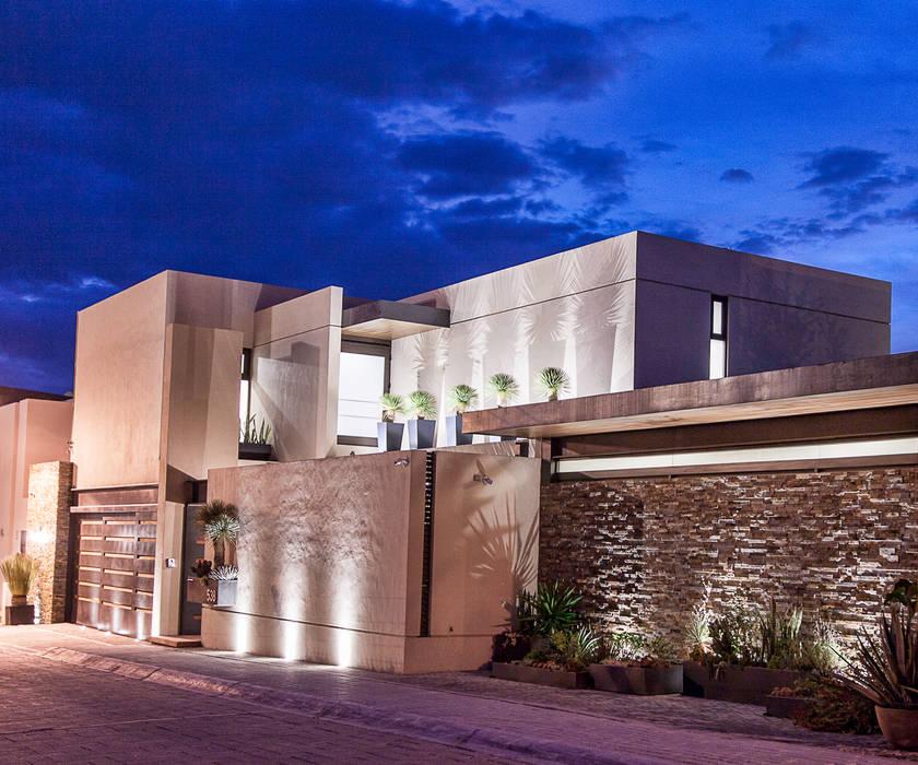 Fachada principal Casas modernas de Loyola Arquitectos Moderno
