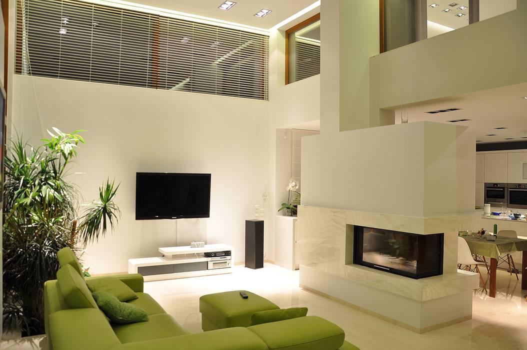 Modern living room by BECZAK / BECZAK / ARCHITEKCI Modern