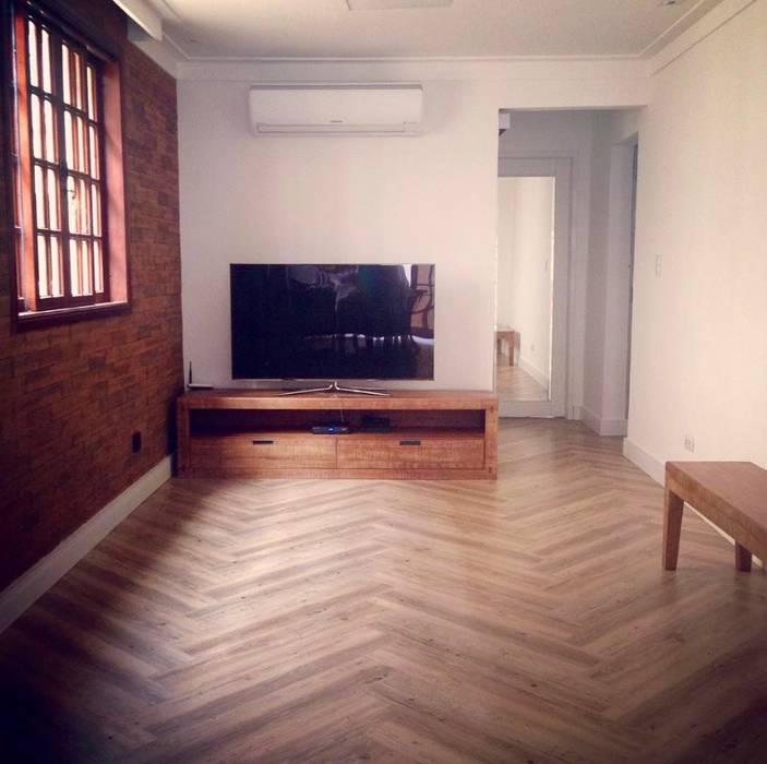 Casa Veloso: Salas de estar  por TR3NA Arquitetura,Eclético